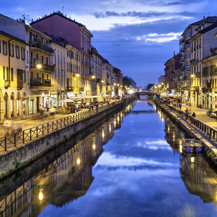 Wine & Appetizers On The Ancient Canals of Milan