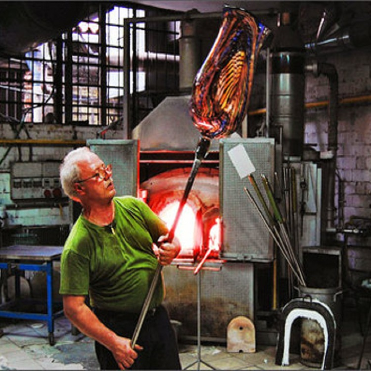 A Half Day Excursion Murano Glassblowing & Burano Lace-making
