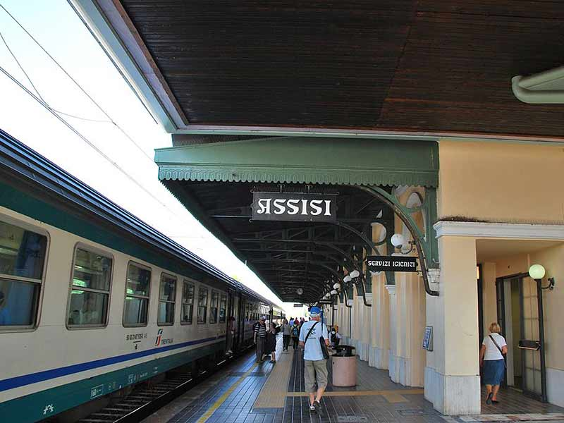 Guide to Assisi Train Station
