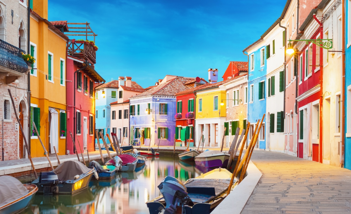 Visiting Venice - Burano Island. Off the beaten path of Venice.