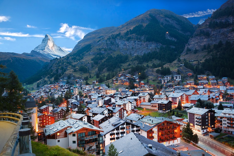 Train from Italy to Switzerland | ItaliaRail
