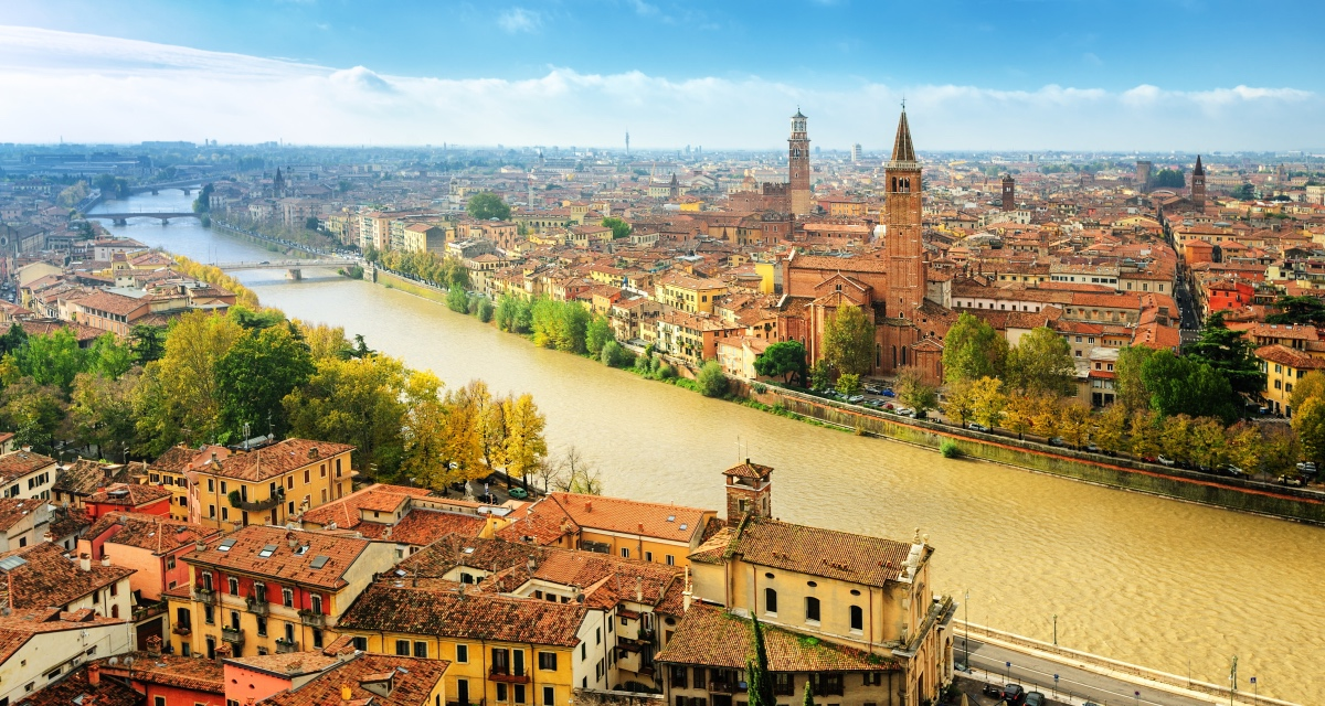 Visiting Venice and Verona. Travelling to Verona, Italy.