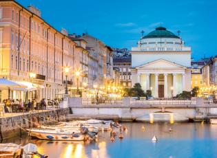 Historic places in Trieste. Cafe's in Trieste.