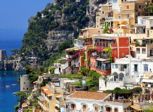 Stacked houses overlooking the bay in Positano