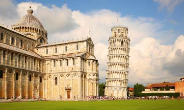 Leaning tower of Pisa. Visiting Italy in the off season.