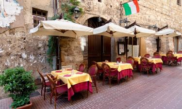 Cafe in Tuscany. Historic cafe's in Italy.